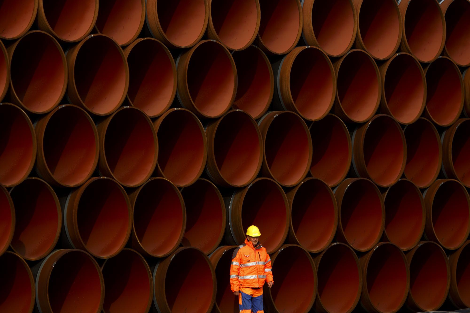 """Давят на газ. Как Россия достраивает """"Северный поток - 2"""" и на что надеется Украина"""