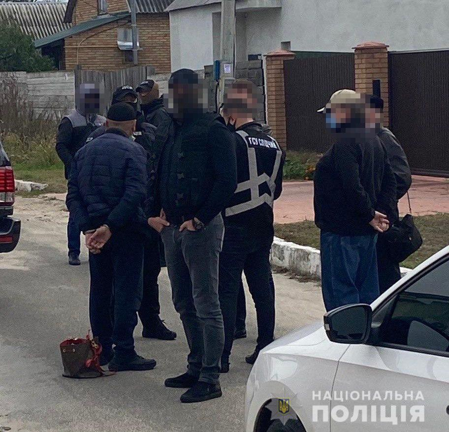 Під Києвом викрали доньку телеведучої заради викупу: мама дівчинки записала відео