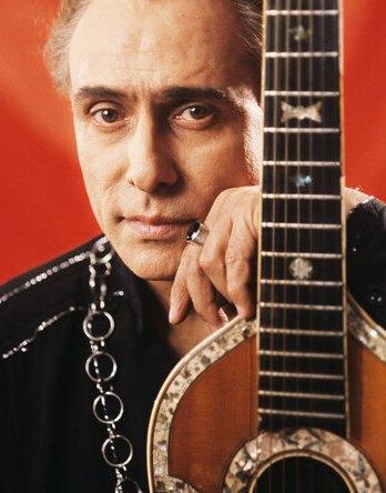 """Зірка """"Весілля в Малинівці"""" помер на 87 році життя: як грав і співав артист (відео)"""