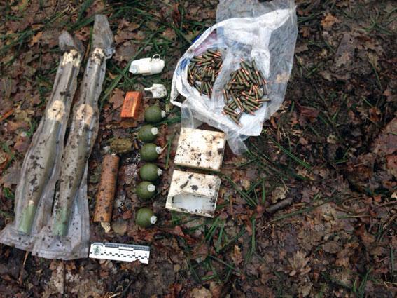 НаХарьковщине обнаружили схрон собразцами современного вооружения