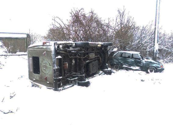 ВЧерниговской области перевернулся микроавтобус сошкольниками