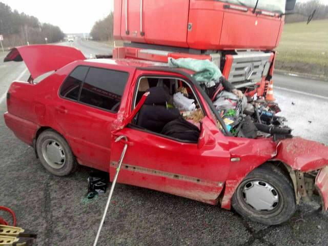 ВоЛьвовской области столкнулись фургон илегковой автомобиль