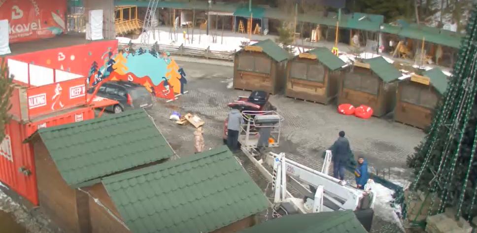Что происходит в закрытом Буковеле: новые фото и видео опустевшего курорта