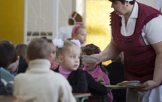 В поліцію через форму: в українських школах йдуть справжні війни