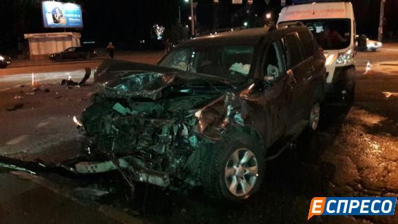 ДТП вКиеве: внедорожник Toyota «поцеловался» спатрульной полицией