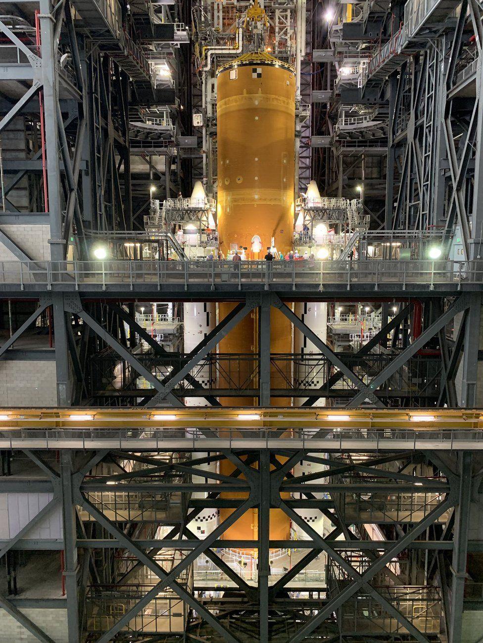 NASA опублікувало фото ракети для польоту на Місяць