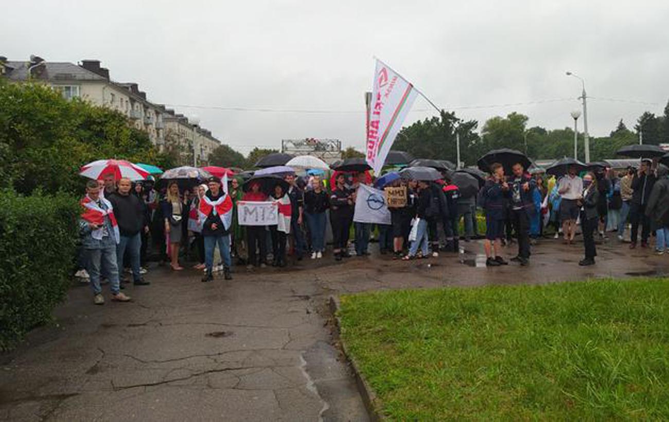 Продолжение забастовки и разгон протестующих: что сейчас происходит в Беларуси