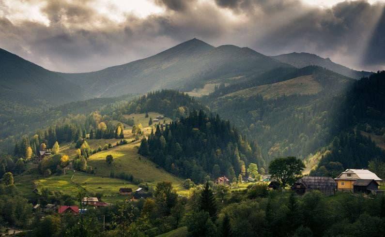 Лучшие места в Украине, которые нужно посетить весной: Дземброня, Бучак и не только