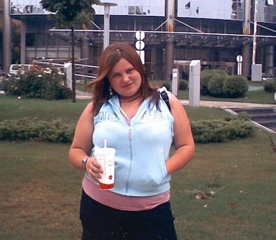 Що, жируха, не влазиш? Українська співачка розповіла про цькування в школі