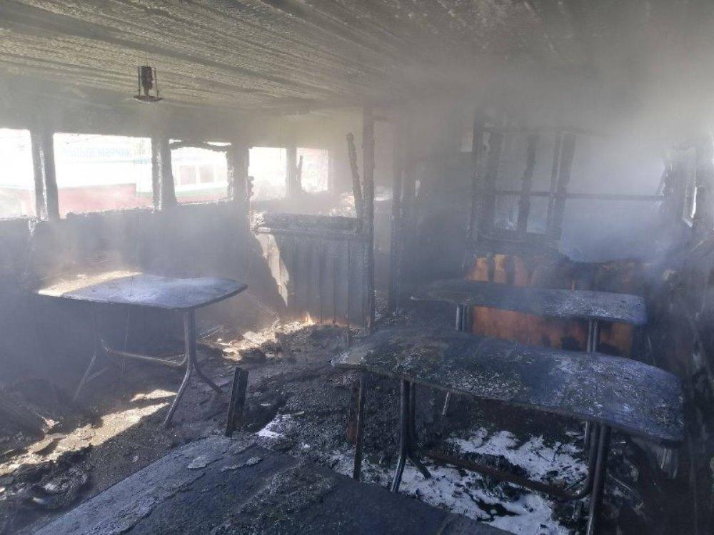 В Белгород-Днестровском загорелся прогулочный катер, есть пострадавший