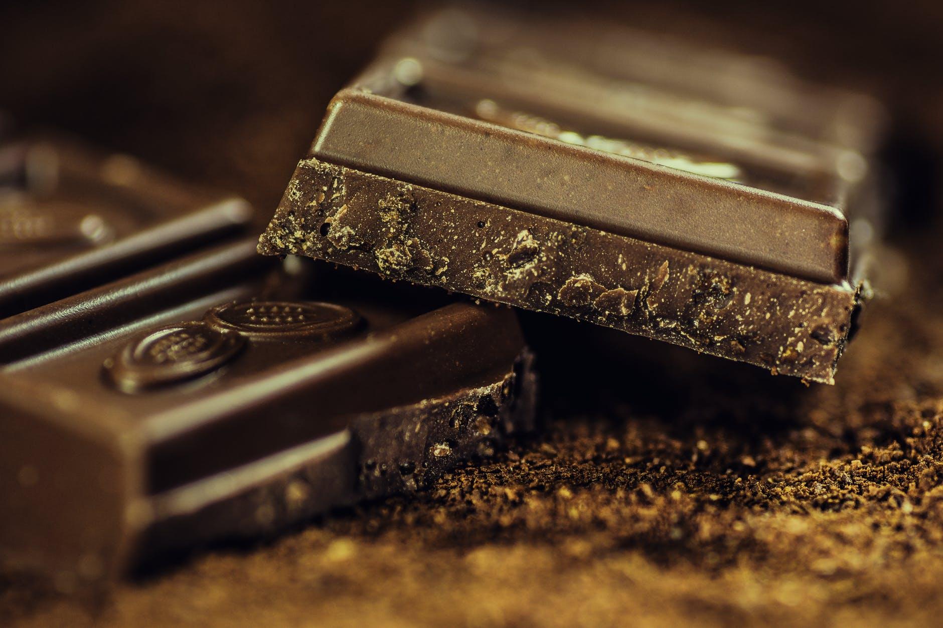 Топ-5 причин, чому варто їсти шоколад: дієтолог дала докладне пояснення