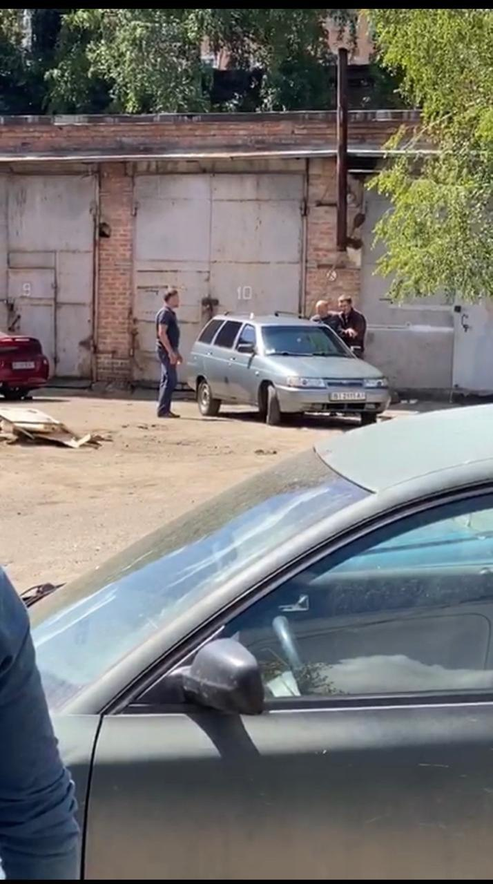 """У Полтаві черговий """"терорист"""" погрожує підірвати всіх: відео та фото з місця спецоперації"""