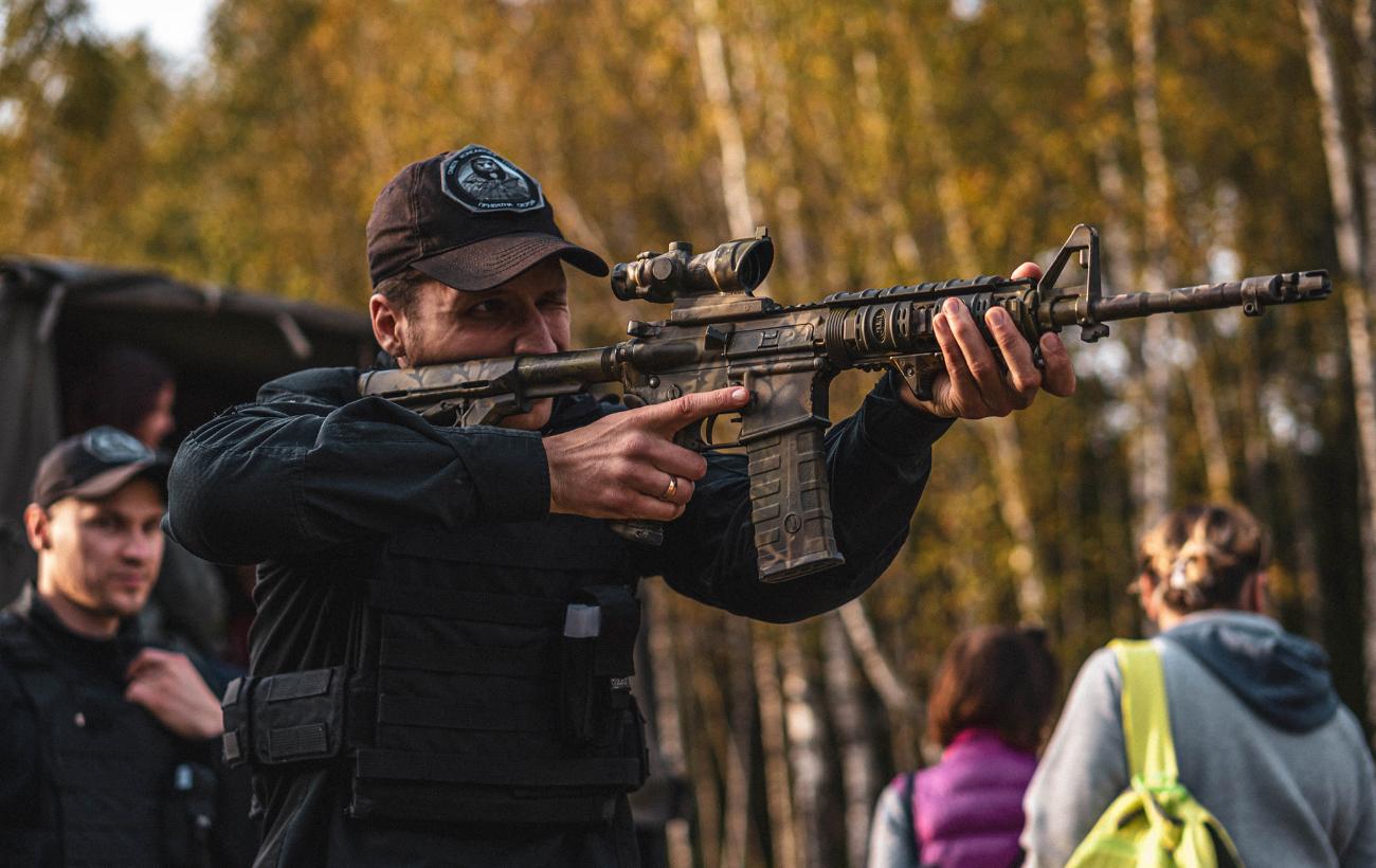 """Солдаты """"серой зоны"""". Как работают украинские ЧВК и когда их легализуют"""
