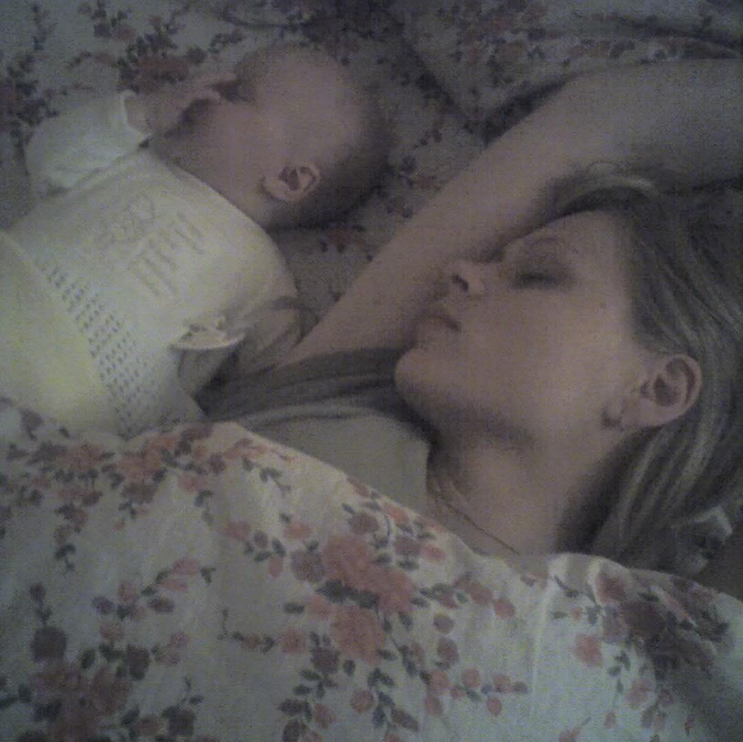 """""""Ти завжди у мого серця"""": Фреймут показала ніжні фото з дочкою"""