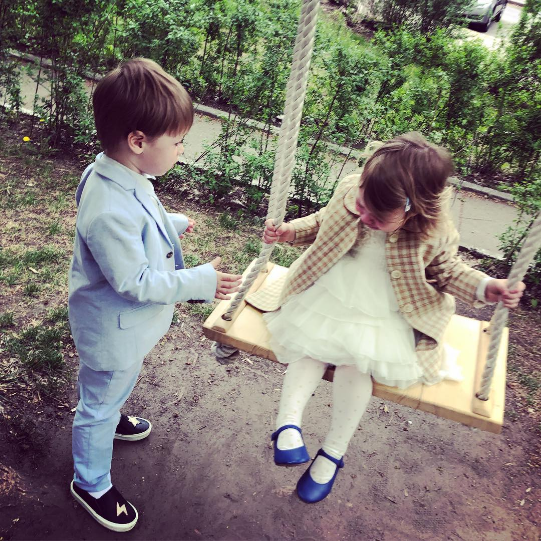 Маленька україночка: Оля Фреймут умилила фото крихітки-доньки у вишиванці