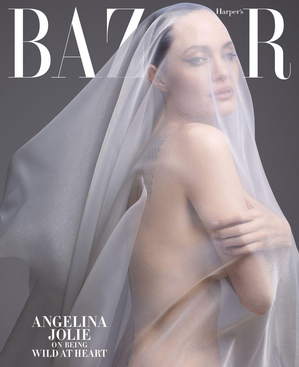 Angelina Jolie Голая Анджелина Джоли снялась обнаженной для известного глянца и