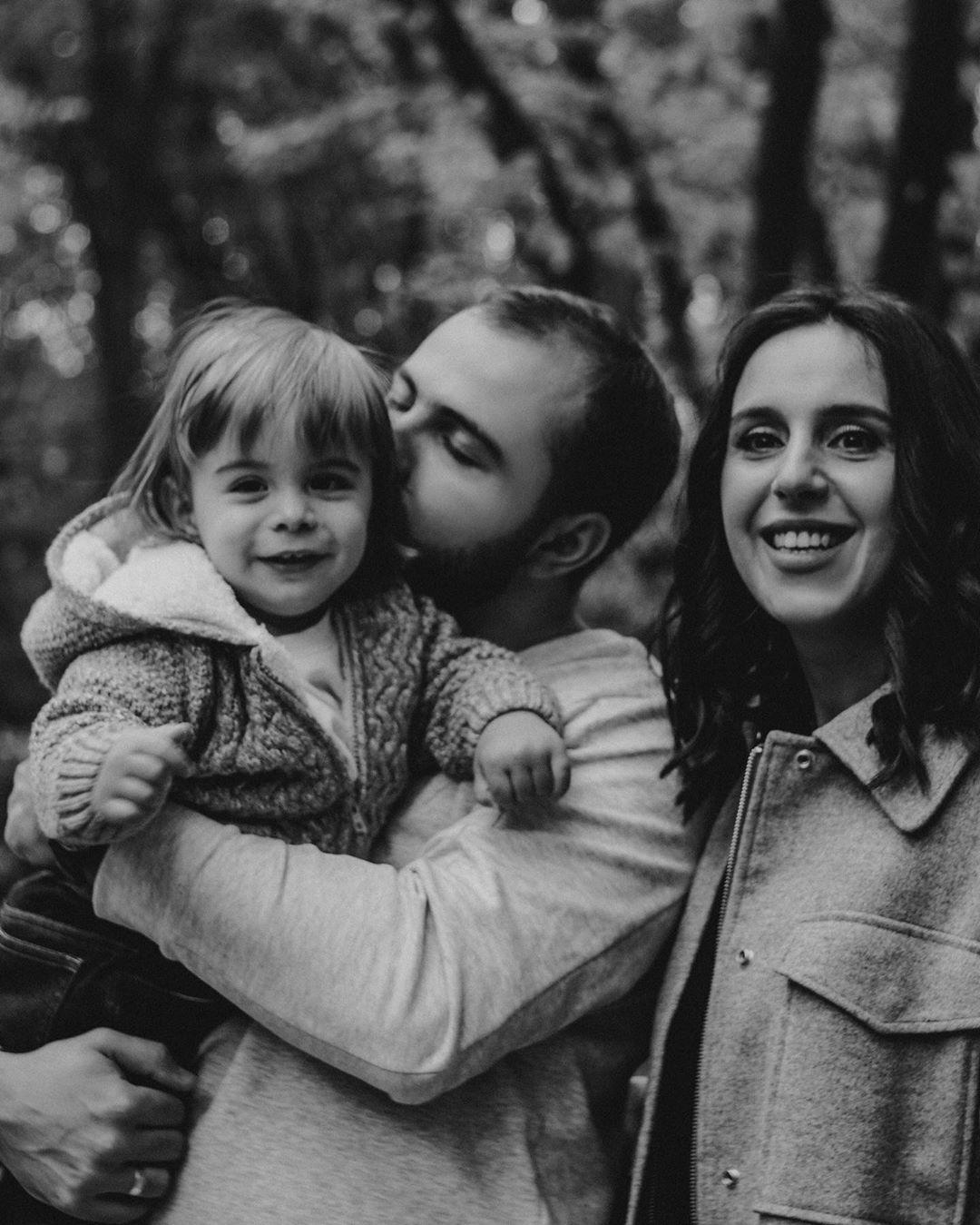 Джамала умилила нежными фото с мужем и сыном в осеннем лесу
