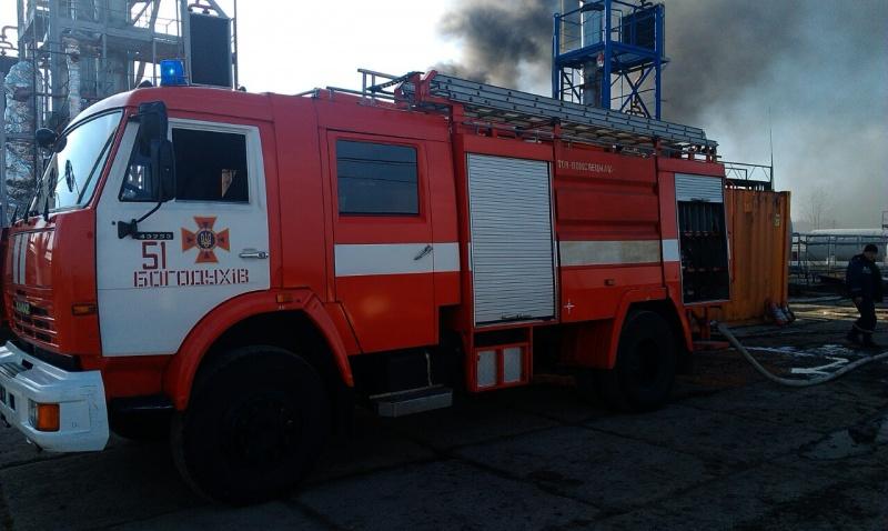 ВХарьковской области пламенеют емкости смазутом ижидким газом