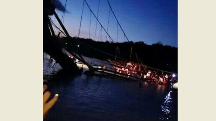 ВИндонезии в итоге обрушения моста пострадали 34 человека