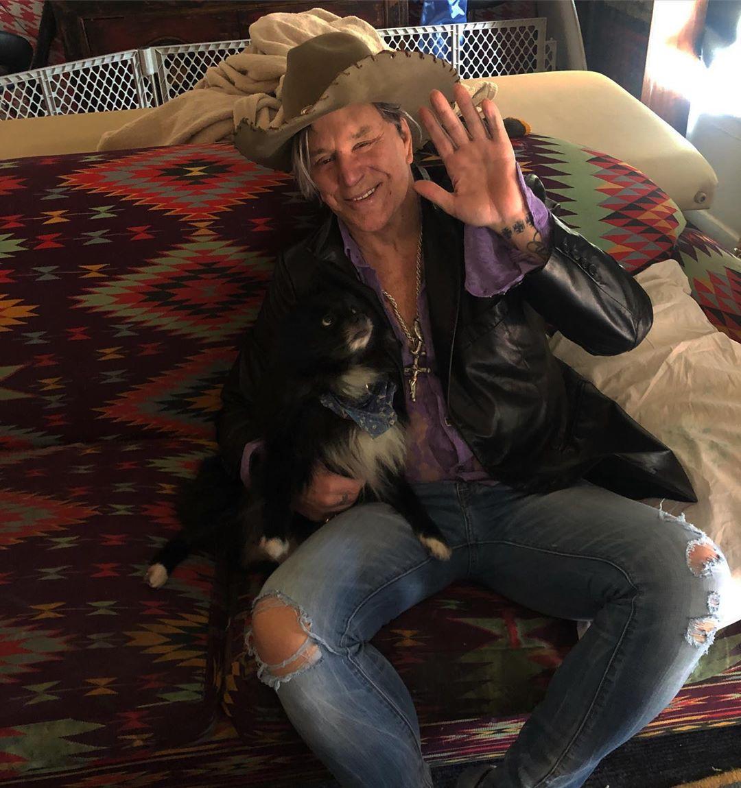 Микки Рурк завещал похоронить его в Украине: стала известна причина