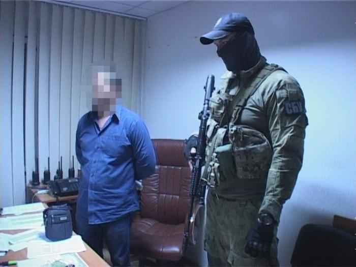 ВКиевской области депутата Госгеокадастра задержали впроцессе получения взятки