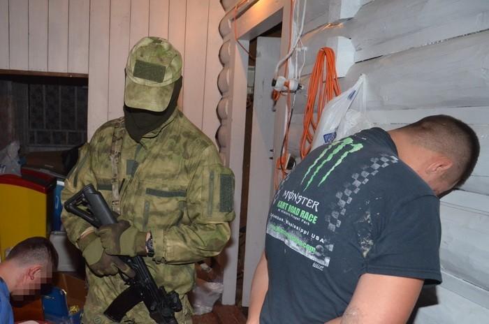 СБУ затримала двох організаторів нарколабораторій