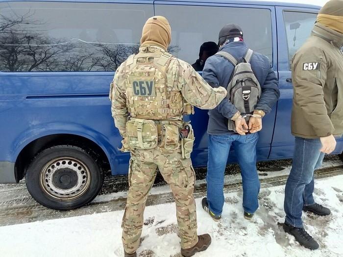 Приехал вербовать украинцев: СБУ задержала экстремиста, объявленного вмеждународный розыск