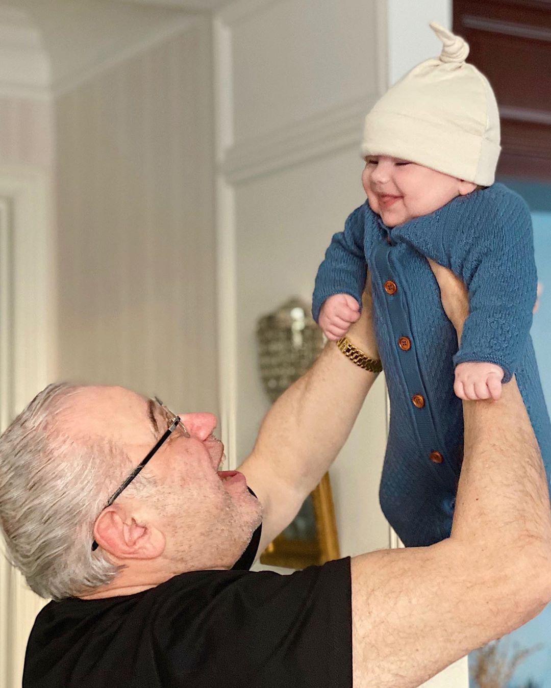 Петросян стал отцом в 74 года: появилось фото малыша