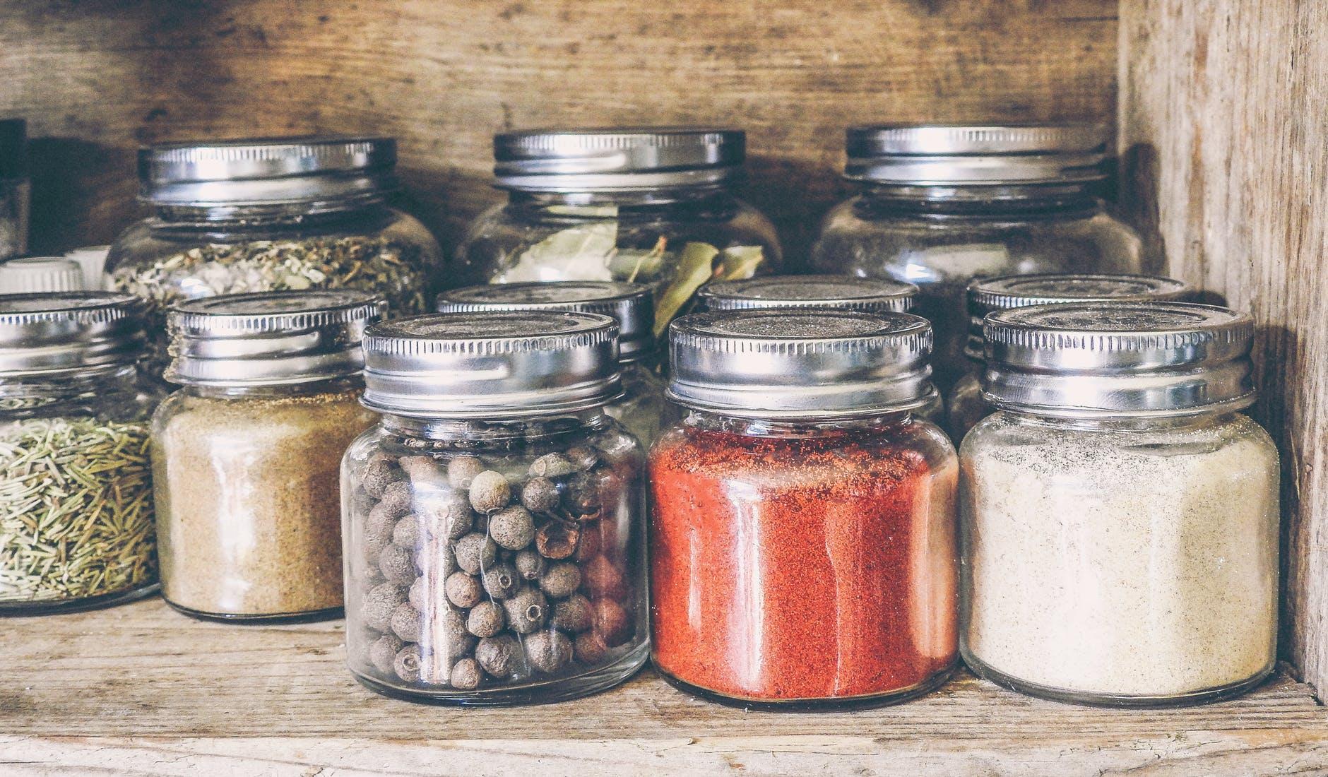 Топ-6 переоцінених продуктів для схуднення: дієтолог розвіяла міфи