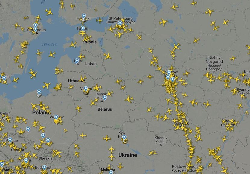 Отказ от полетов над Беларусью: какие авиакомпании облетают страну