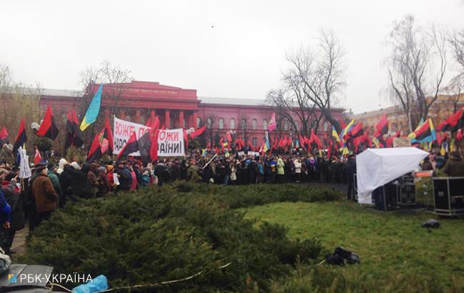 Порядок уцентрі Києва охороняє тисяча силовиків