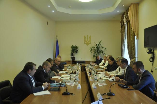 Руководство Минфина встретилось с представителями миссии МВФ
