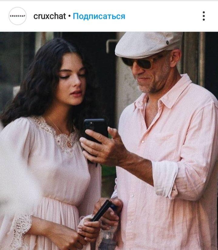 Все в маме: 15-летняя дочь Моники Беллуччи восхитилась красотой на съемочной площадке известного бренда