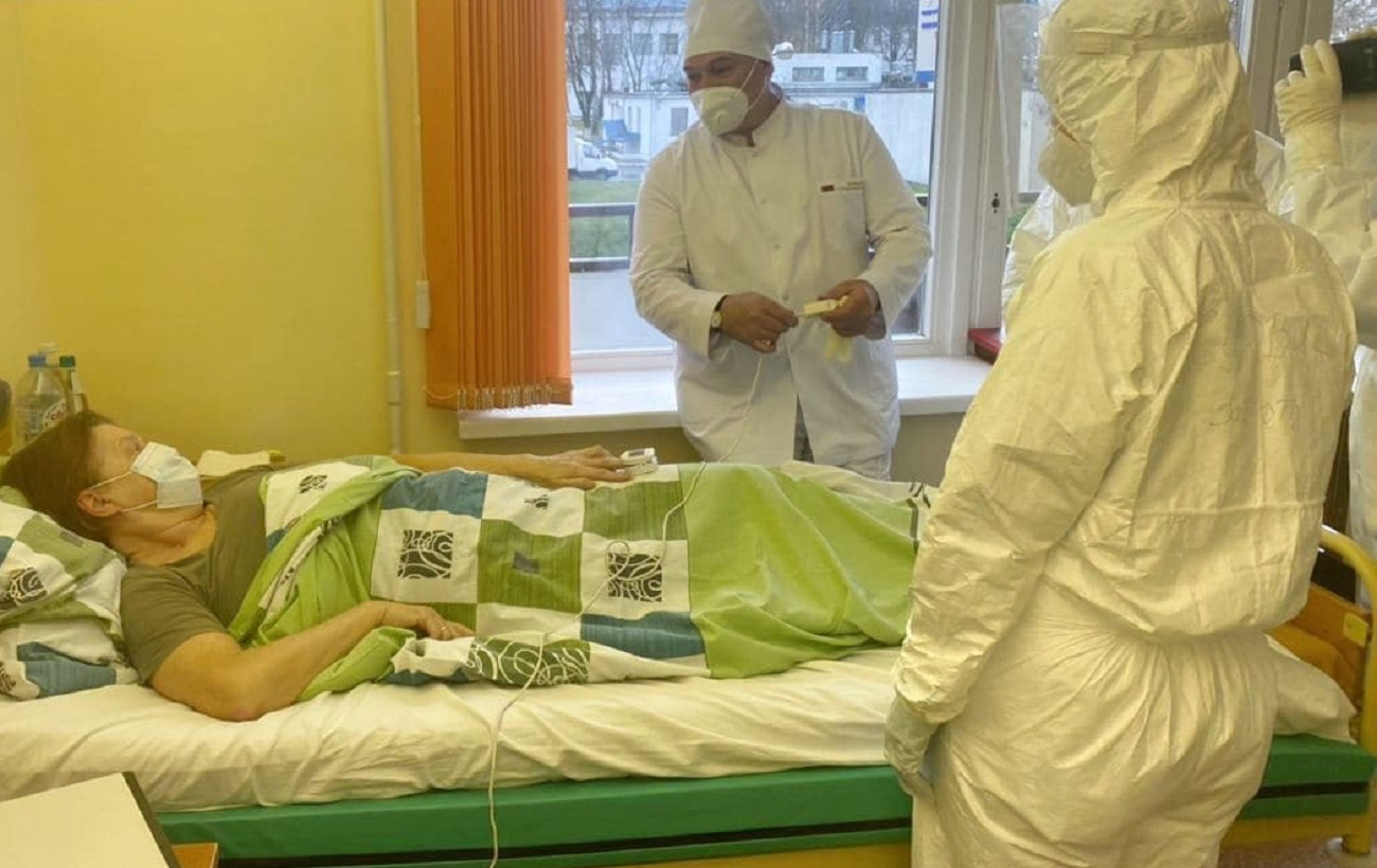 Лукашенко в коронавирусной больнице пошутил о протестах:уже бастовать не будут