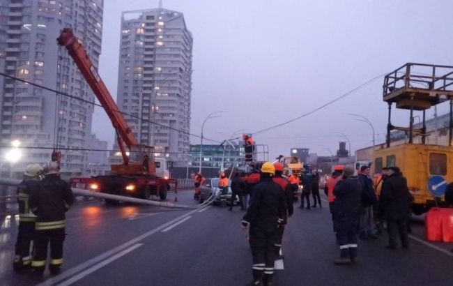 """""""Стовбопад"""" на Шулявському мосту: в Інституті Патона назвали причину НП"""