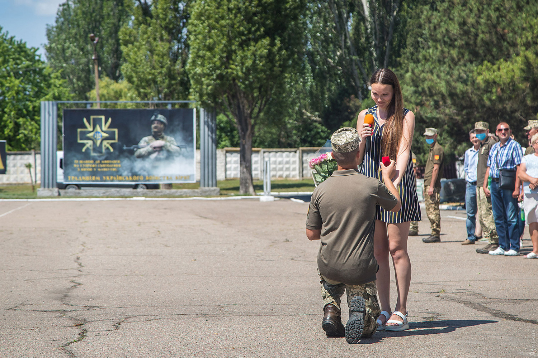 Український боєць зробив сюрприз коханій після повернення з фронту: познайомилися в мережі