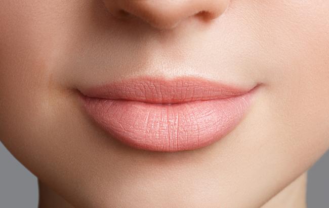 Топ-5 способов сделать губы объемнее
