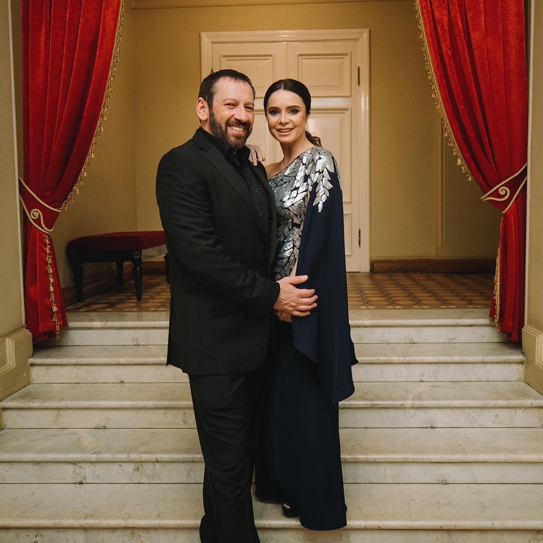 Беременная Лилия Подкопаева вышла в свет с новым женихом (фото)
