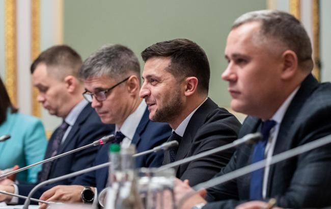 Стартова смуга: як минув перший рік президентства Володимира Зеленського