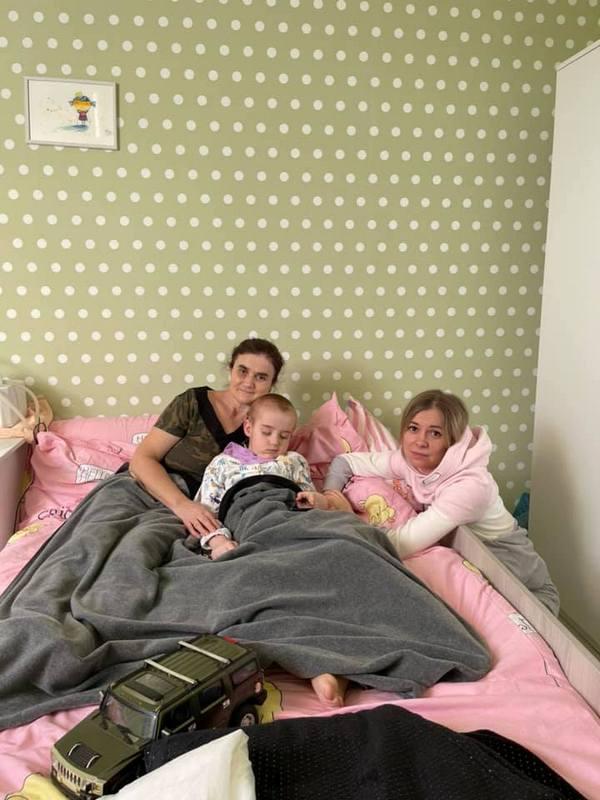 """Коли хворів - його мучив батько: трагічна історія хворого хлопчика, якому """"копи""""здійснили мрію"""