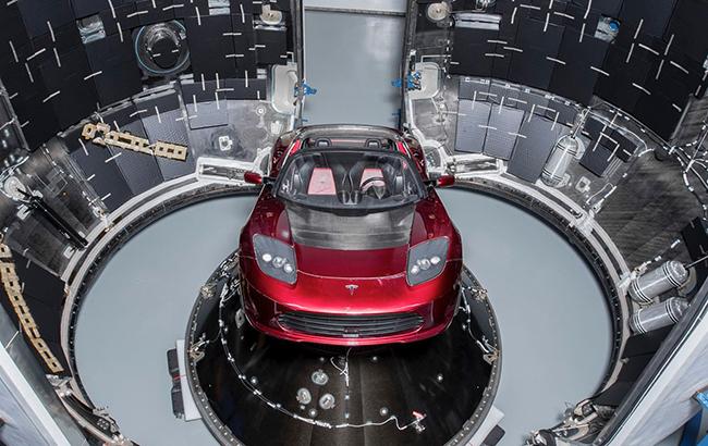 Tesla Илона Маска впервые облетела вокруг Солнца: скоро приблизится к Земле