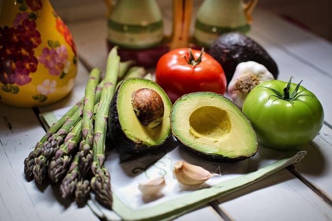 Врач рассказал, как противостоять коронавирусу: пять овощей и фруктов