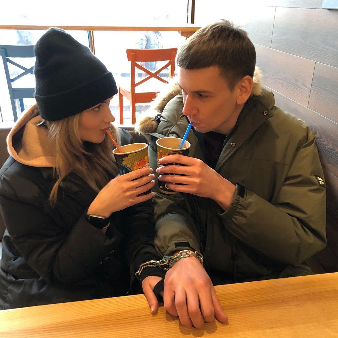 Закохані, які скували себе ланцюгом, передумали роз'єднуватись: мають нові плани