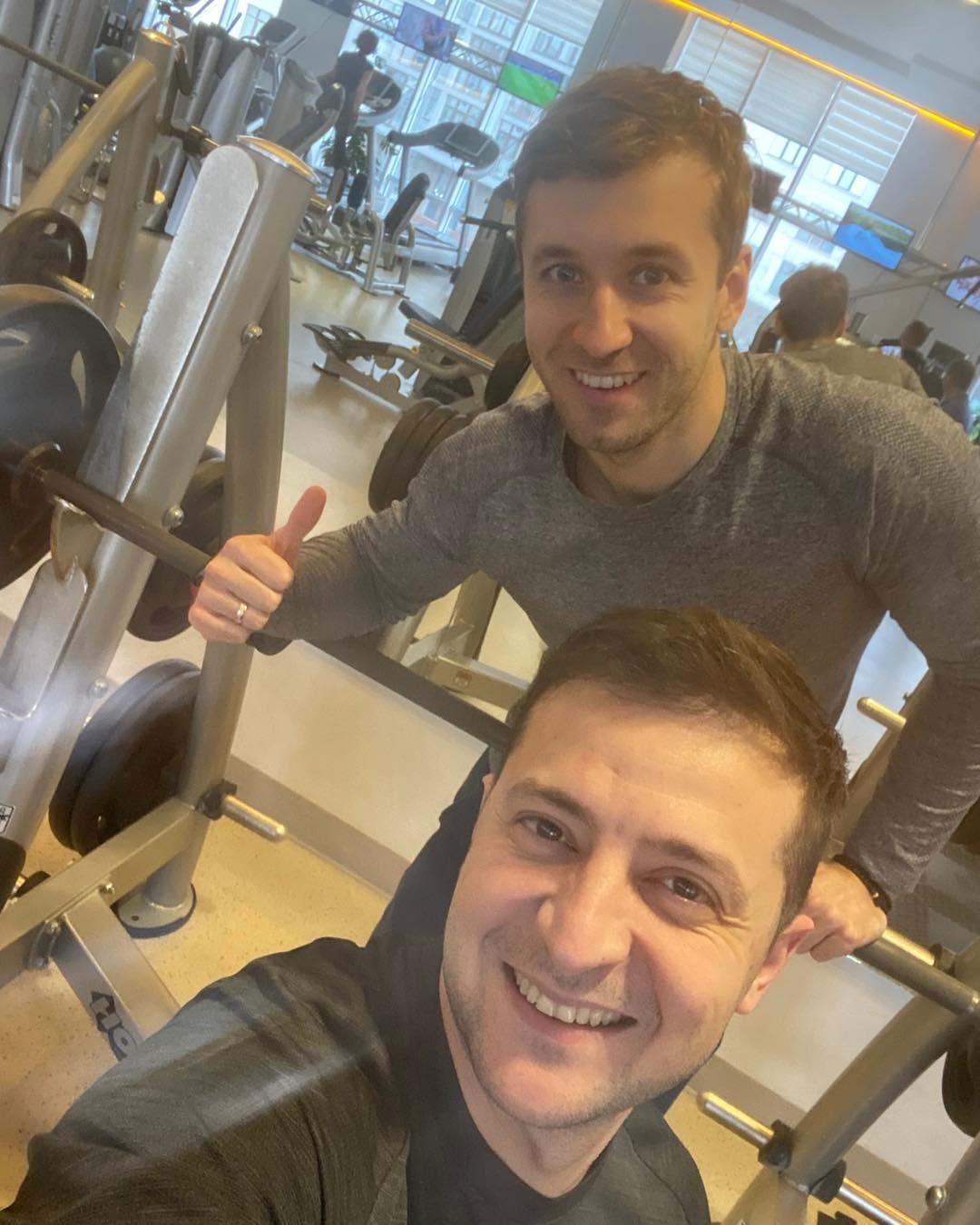 """Зеленский показал новое фото из спортзала и """"взорвал"""" сеть"""