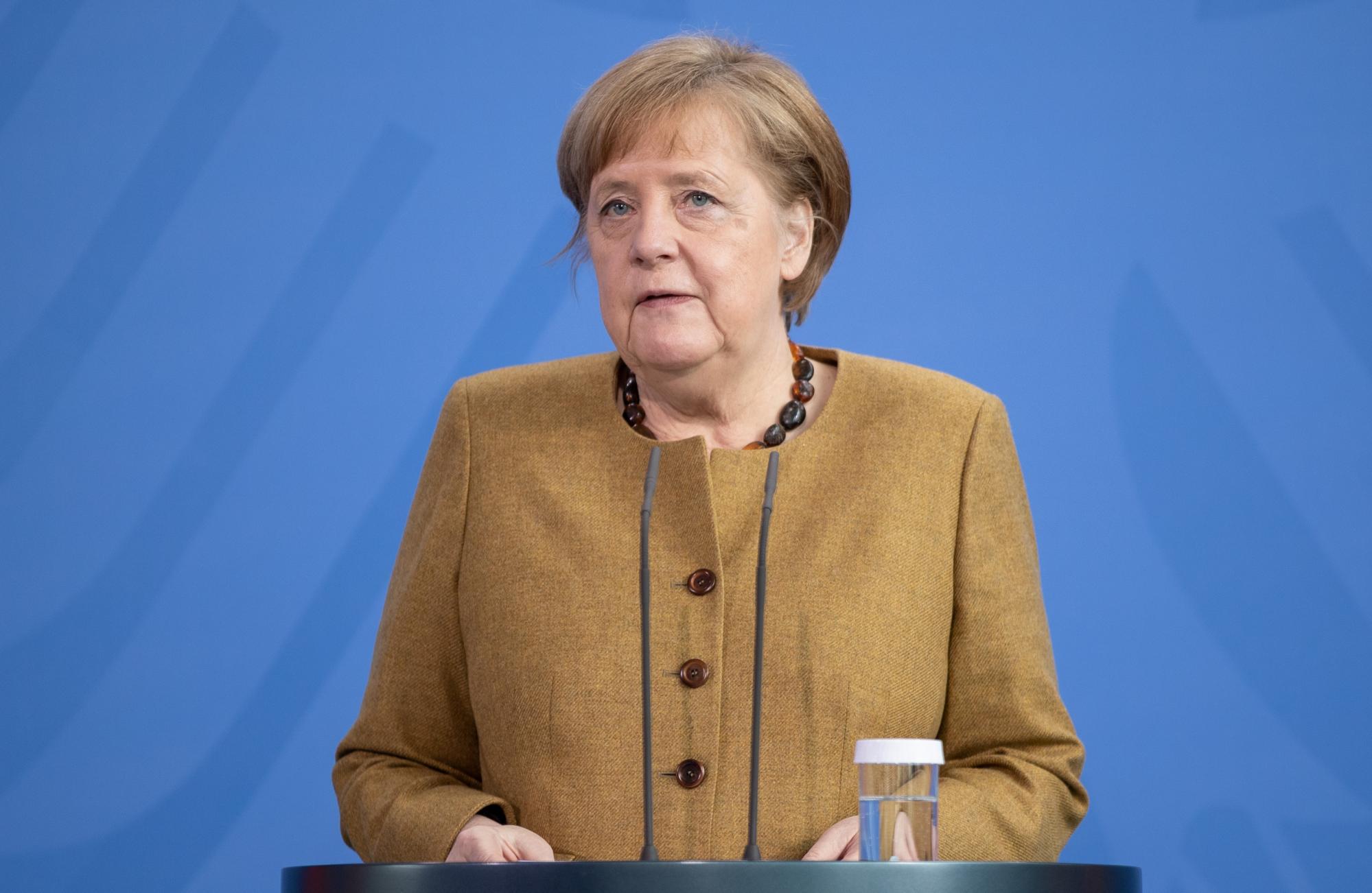 Газ і Донбас. Чого чекати від переговорів Меркель і Зеленського