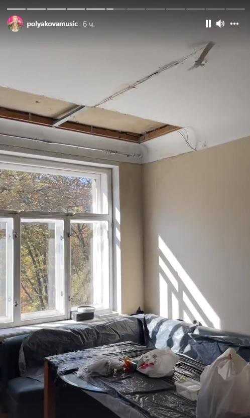 Полякова ремонтирует крышу себе и соседям за свой счет:
