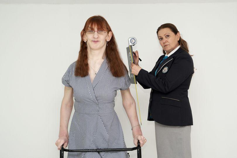 24-летняя девушка стала самой высокой в мире: как выглядит 215-сантиметровая рекордсменка