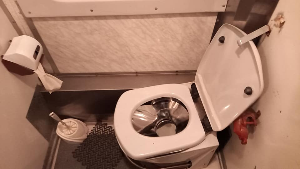 У мережі показали перероблений для блага пасажирів вагон поїзда Укрзалізниці (фото)