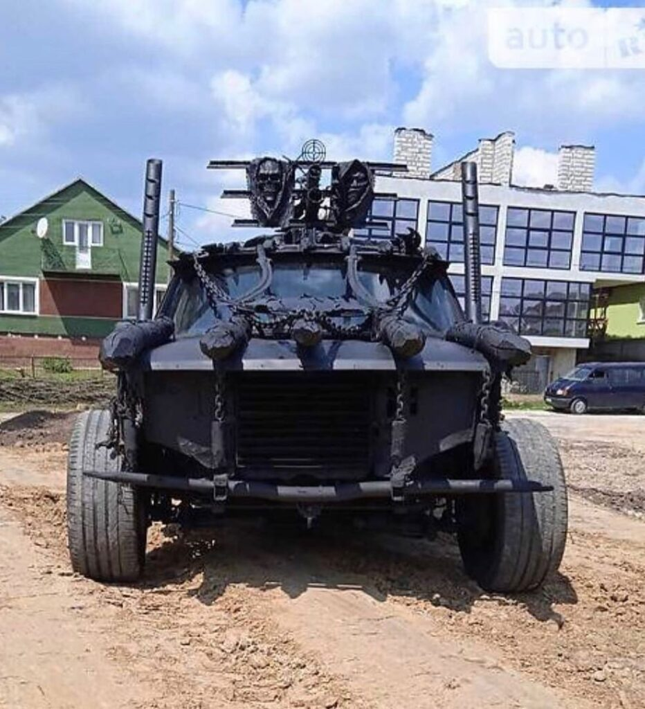"""Український автолюбитель створив """"монстра постапокаліпсису"""": як він виглядає"""