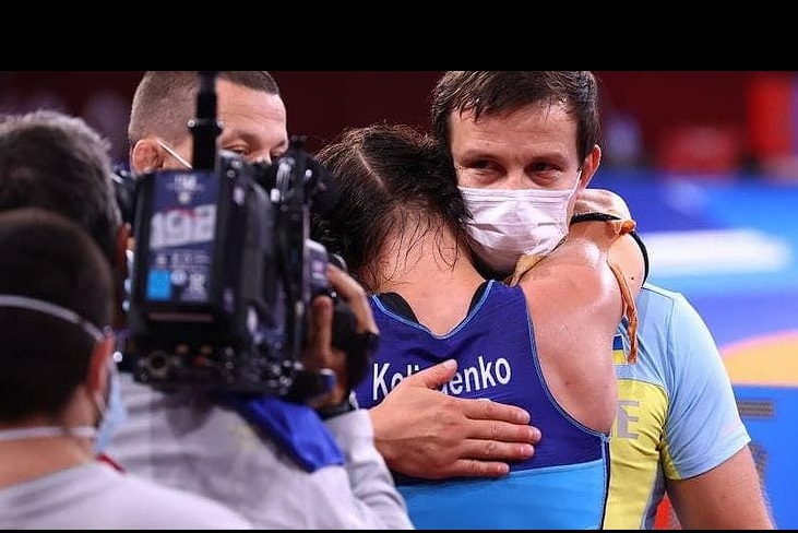Украинская призерка Олимпиады подарила полученную квартиру тренеру, хотя сама без жилья